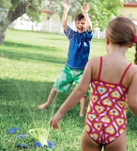 Swimways Interactive Backyard Splash-A-Dunk Water Game with 3 Toss Bags and Target Sprinkler Attachment