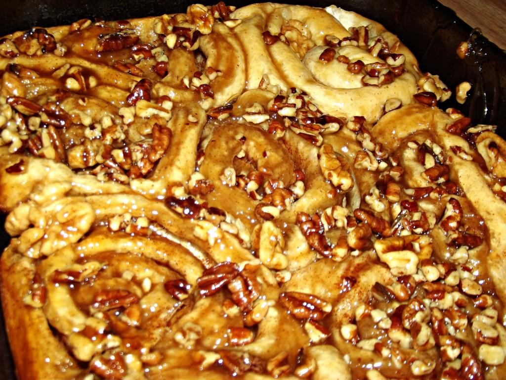 Caramel Pecan/Walnut Cinnamon Rolls