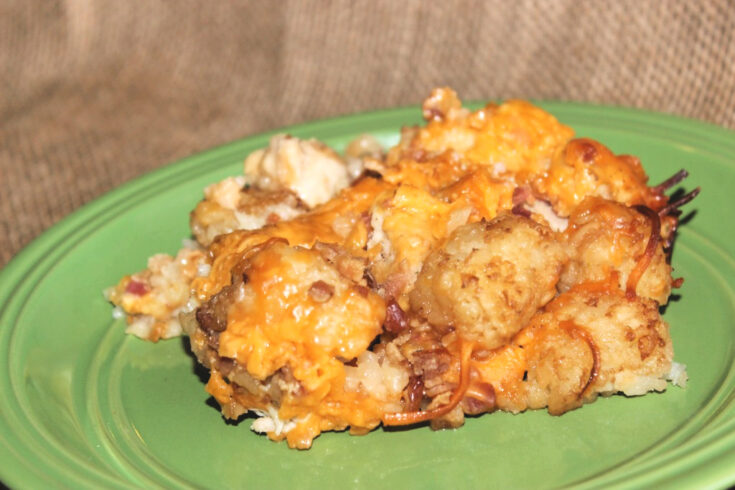 Crockpot Cheesy Chicken and Bacon Tater Tot Casserole