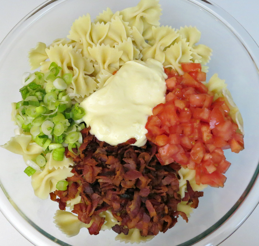 Bowtie Pasta Salad with Bacon & Tomatoes - Process 1