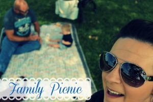 Out and About – Family Picnic Fun! #jjcolespringstyle