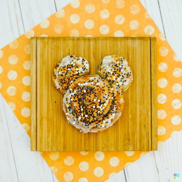Mickey Mouse Cinnamon Rolls Recipe Tutorial