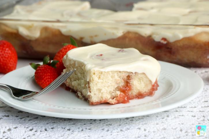 Strawberry Cinnamon Rolls Recipe